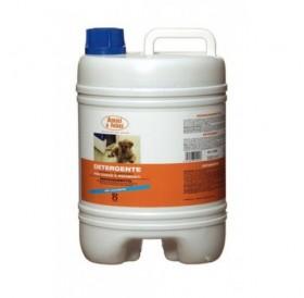 Amici e Felici Sanitizing Cleaner for Kennels and Floors /препарат за почистване и дезинфекциране/-5л