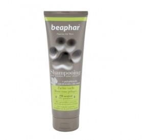Beaphar Premium Shampoo Soft Coat /омекотяващ с натурален екстракт от женско биле и пшенични протеини/-250мл